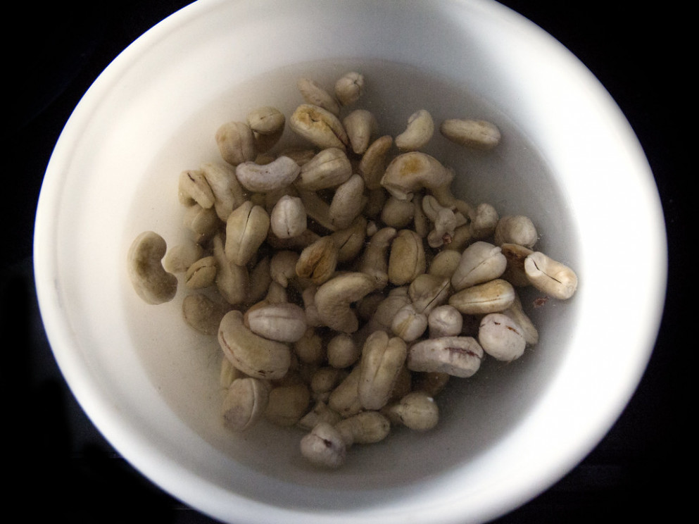 Soaking raw cashews - thanksgiving recipes vegetarian