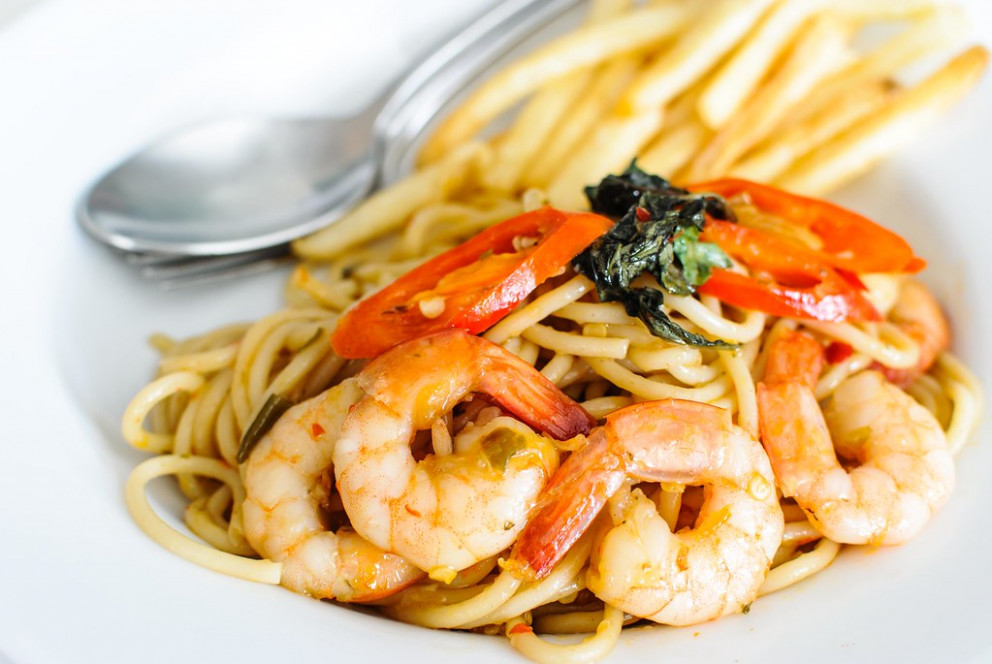 spaghetti basil spicy shrimp - mediterranean recipes dinner