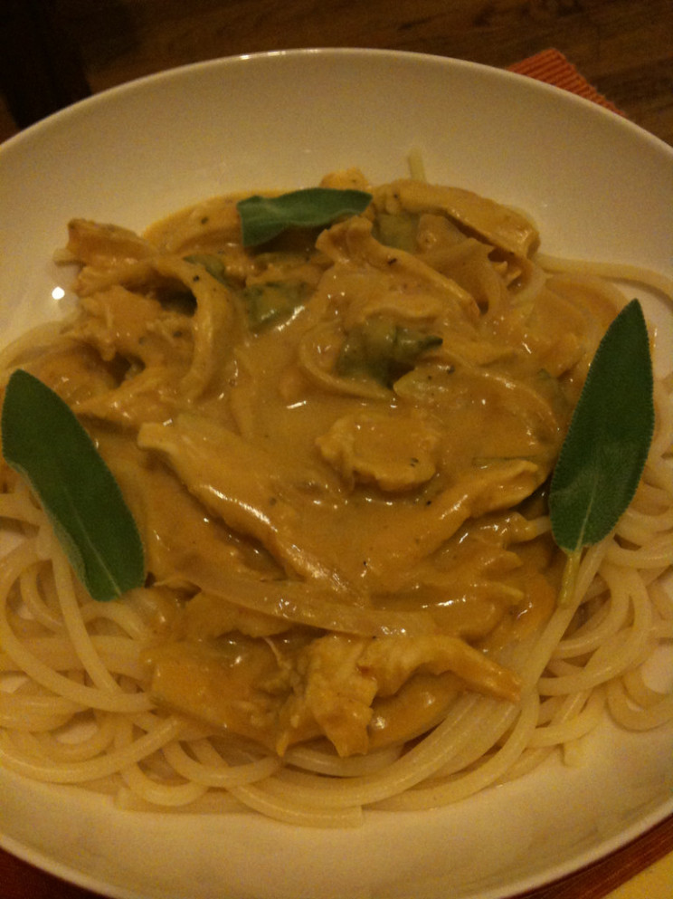 spaghetti in creamy pumpkin sauce - pumpkin recipes dinner