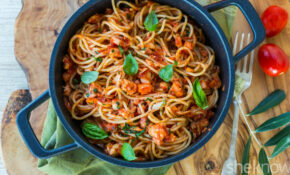 Spaghetti With Leftover Chicken Ragù Makes Last Night's ..