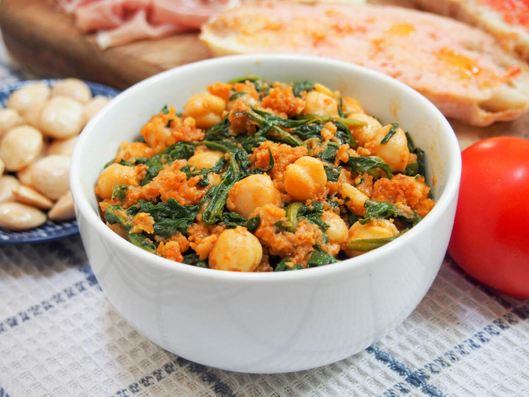 Spanish chickpeas and spinach - chickpea recipes vegetarian