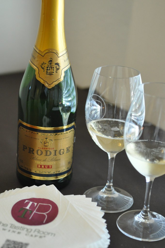 Sparkling wine to kick things off - wine food recipes
