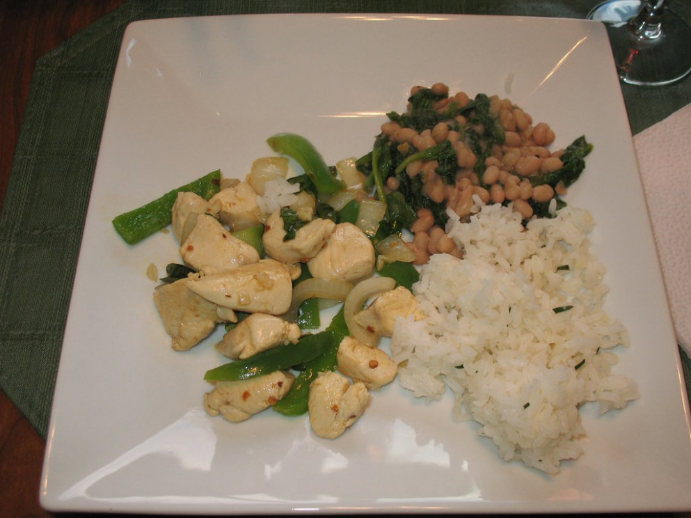 Spicy Chicken, Spinach with Beans and Flavorful Steamed Rice - wok recipes chicken