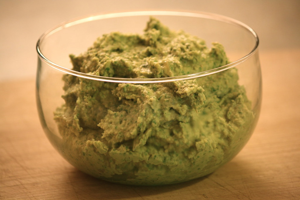 spinach hummus - spinach recipes healthy vegetarian