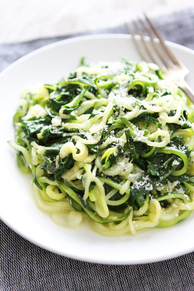Spinach Parmesan Zucchini Noodles - healthy zucchini noodle recipes