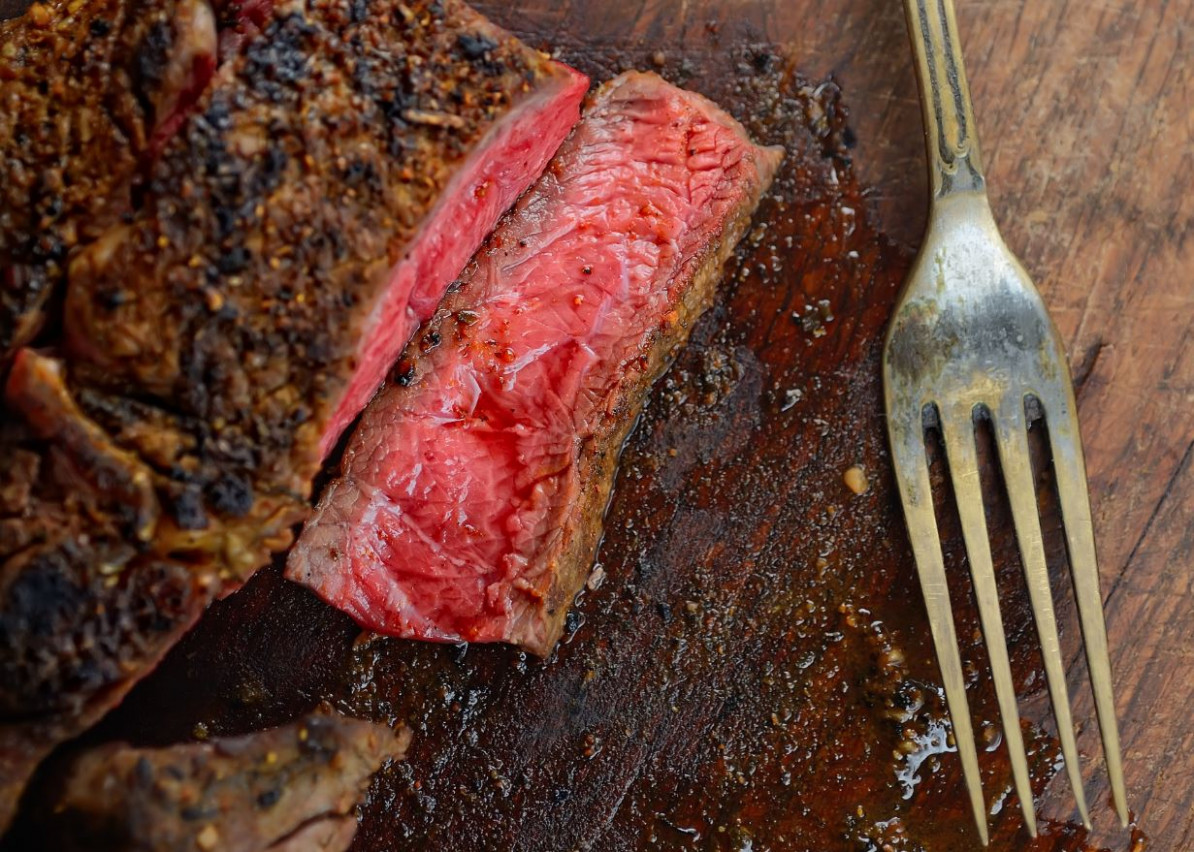 Stop Calling That Juicy Steak 'Bloody' – Here's What It ..