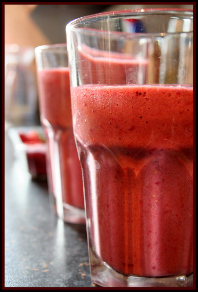 Strawberry & Blackberry Smoothie - recipes for healthy smoothies