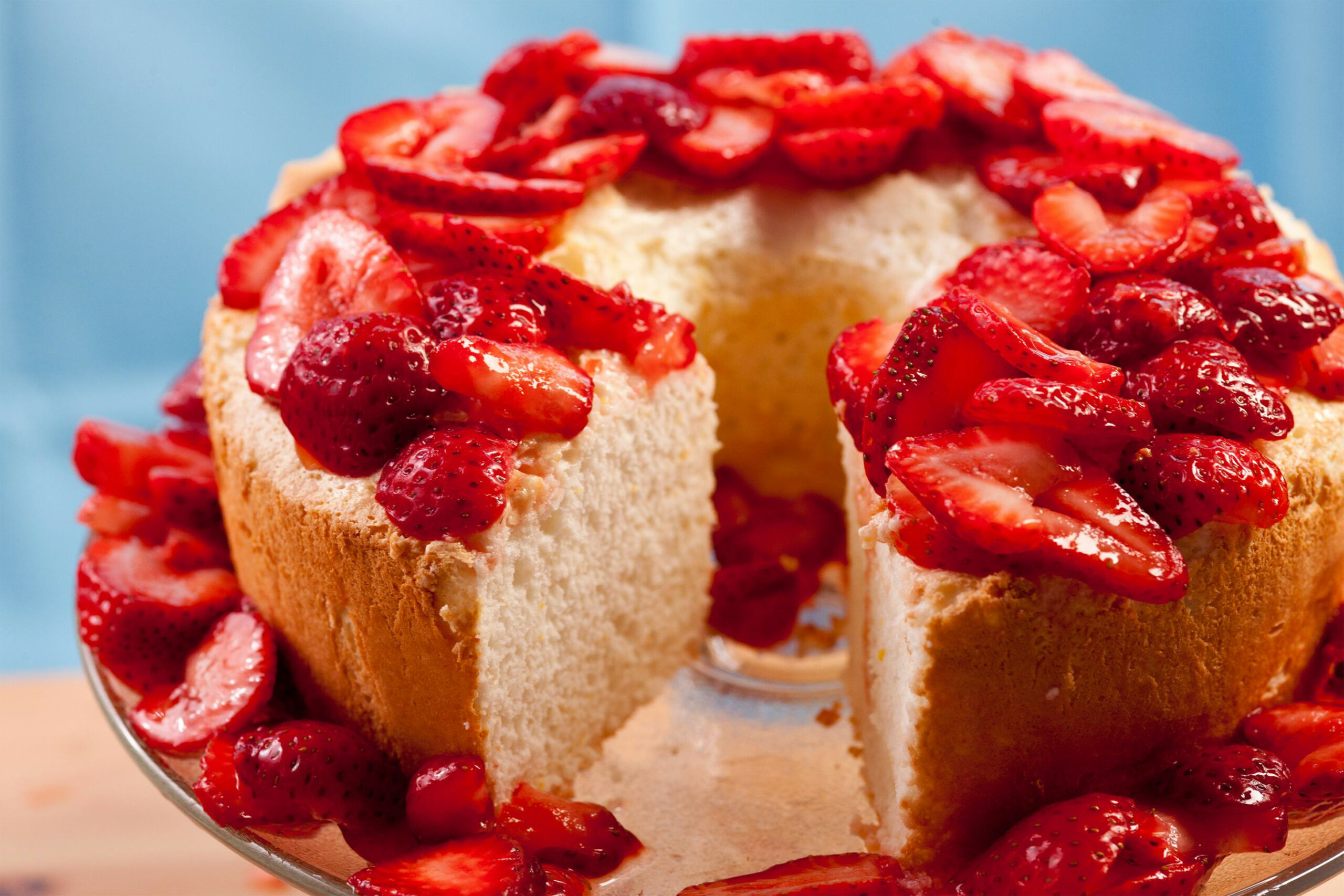 strawberry dessert made with angel food cake - recipes using angel food cake