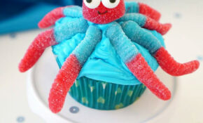 Super Cute & Easy Octopus Cupcakes – Happiness Is Homemade – Ocean Themed Food Recipes