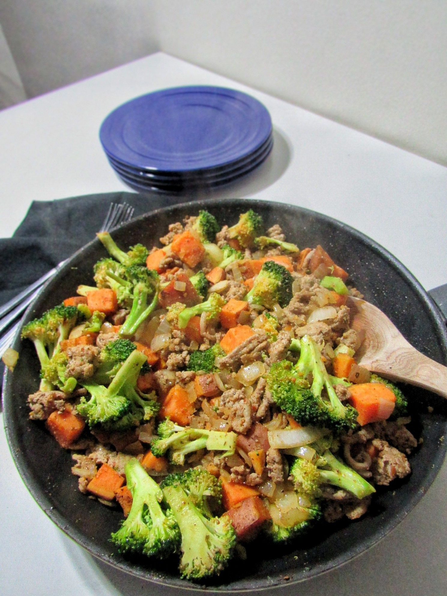 Sweet Potato, Onion, Broccoli, Ground Turkey One Pan Dinner - Dinner Recipes Ground Turkey