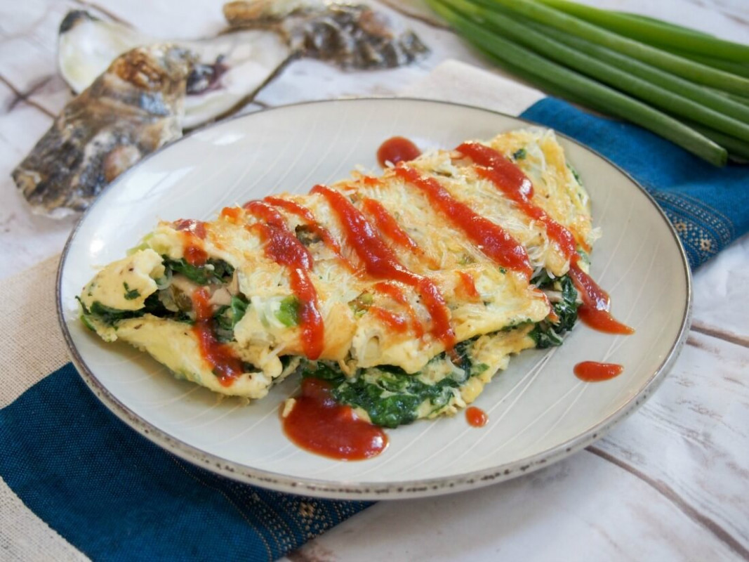 Taiwanese oyster omelette - street food recipes