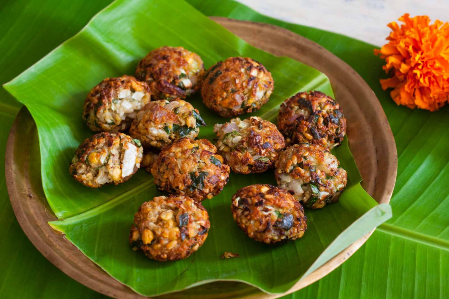 Tamil Nadu Style Dal Masala Vada with Cabbage Recipe - food recipes tamil