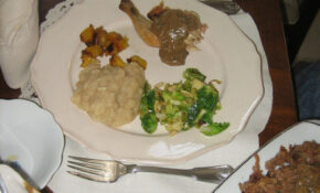 Thanksgiving Plate – Recipe Vegetarian Gravy For Mashed Potatoes