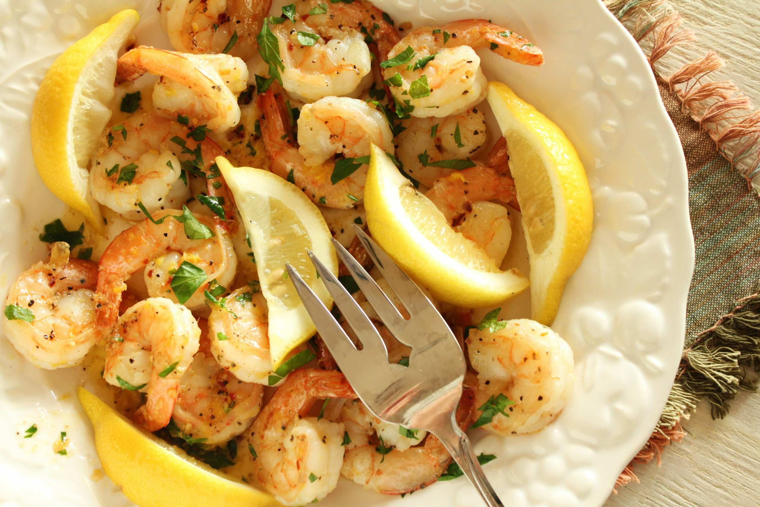 The Best Garlic Shrimp In The Whole Wide World - Prawn Recipes Dinner