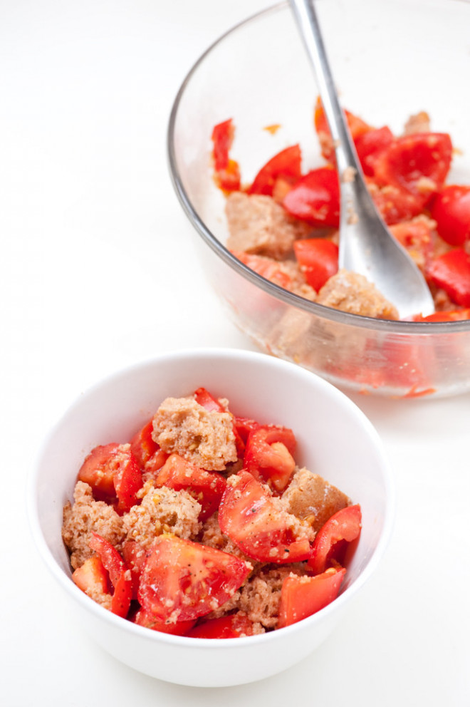 tomato & bread salad - quick lunch recipes vegetarian