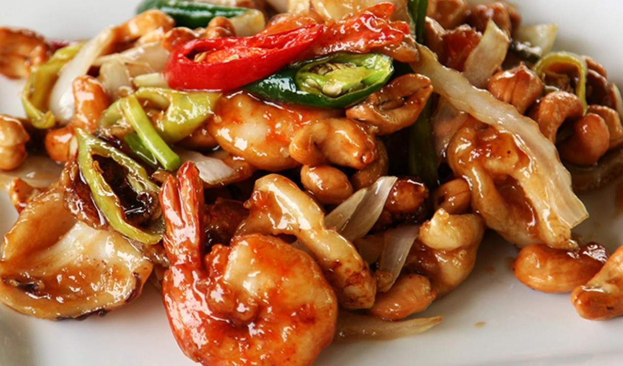 Traditional Chinese Prawns and Cashew Dish - chinese food recipes