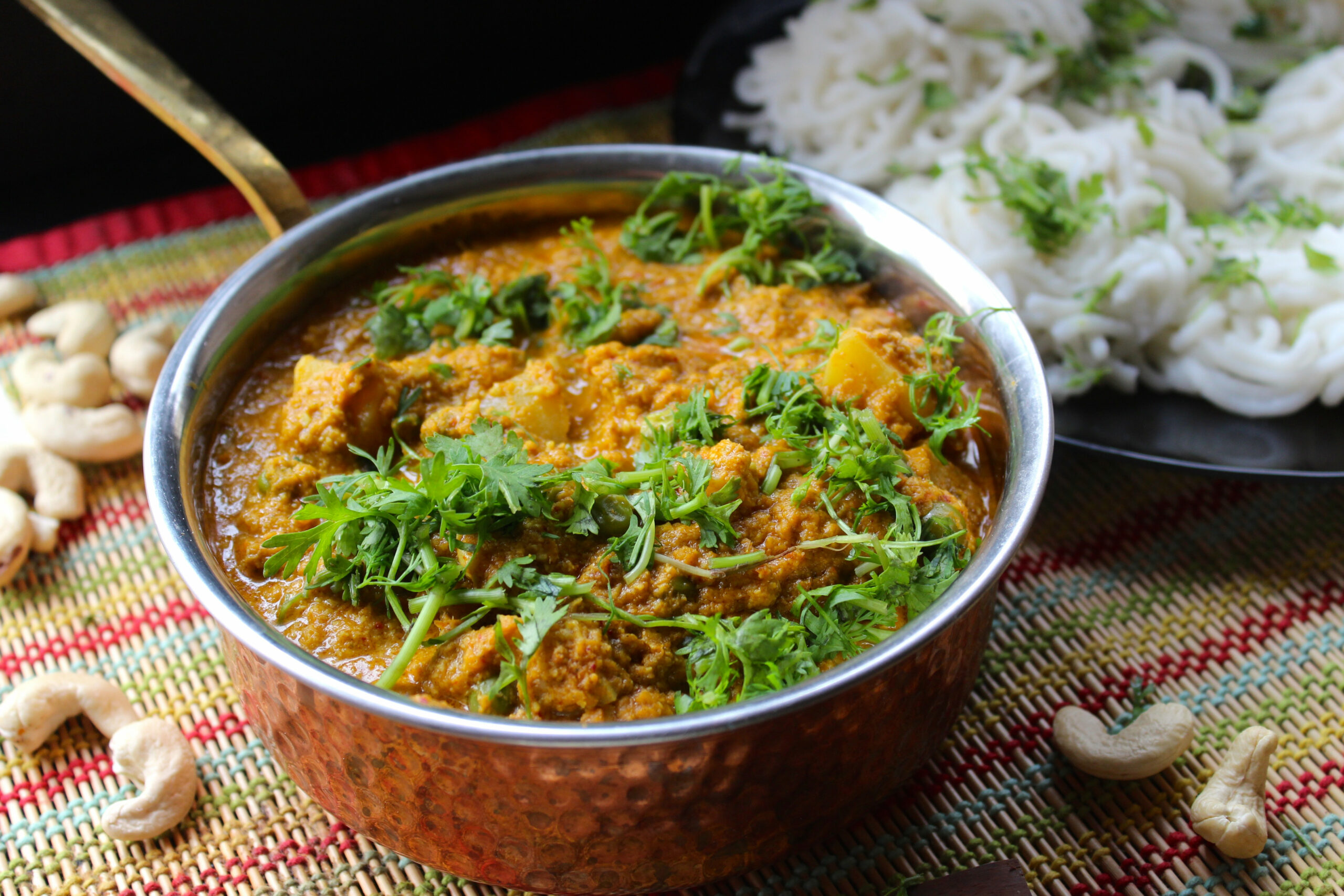 Veg Kurma (South Indian style mixed vegetable gravy) - The ..