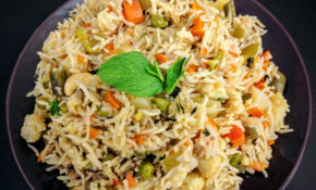 Veg Pulao Recipe (Vegetable Pilaf) | VegeCravings – Vegetarian Recipes With Rice And Vegetables
