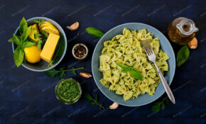Vegan Farfalle Pasta In A Basil Spinach Sauce With Garlic ..