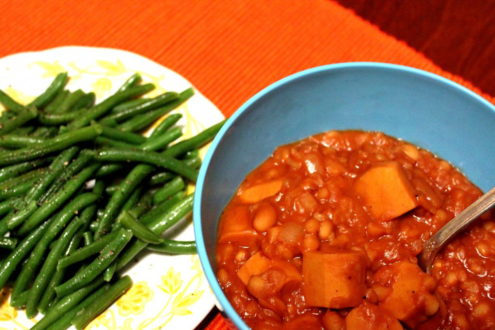 vegan franks & beans with haricots verts - navy bean recipes vegetarian