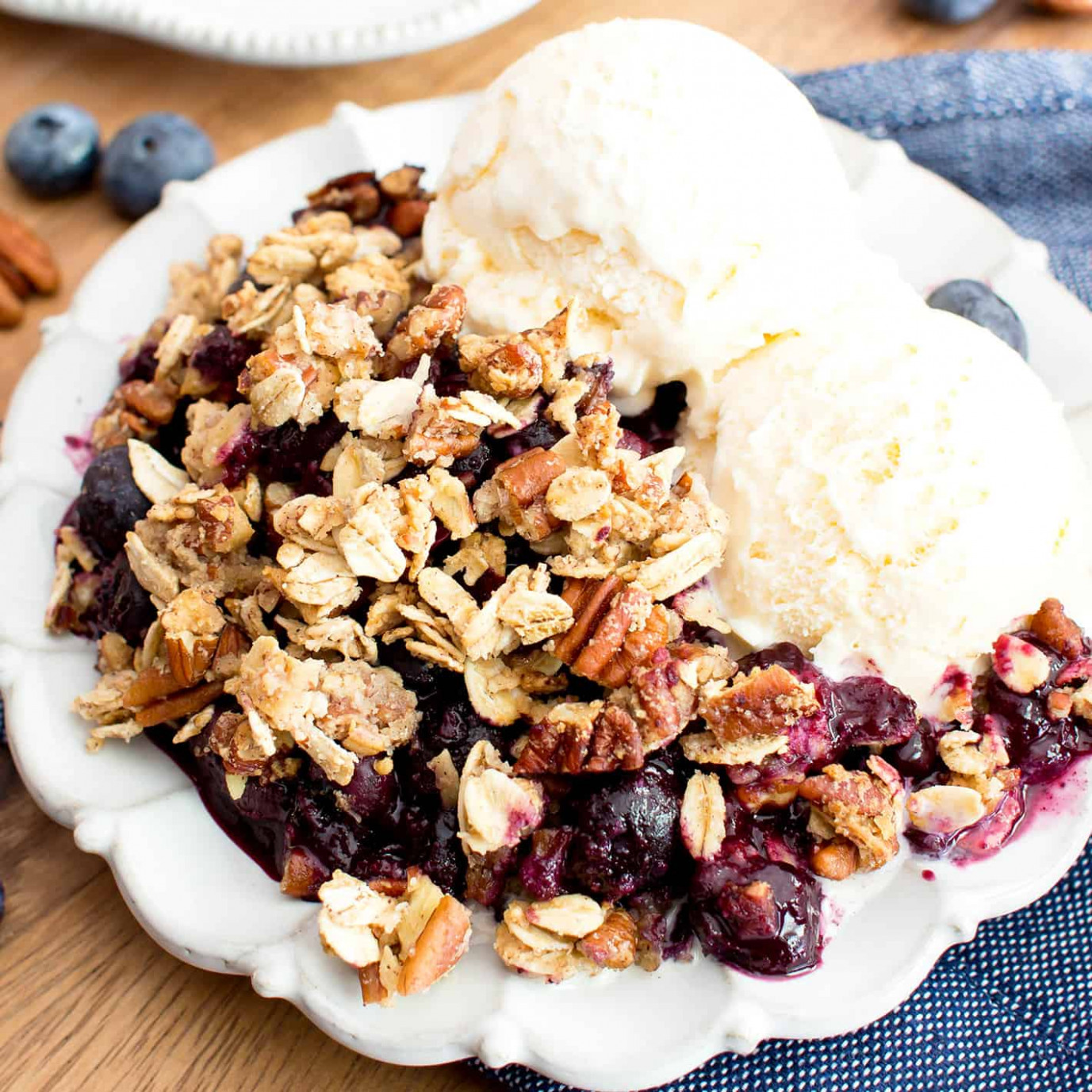 Vegan Gluten Free Blueberry Crisp (Paleo Option, GF, V, Dairy Free, Refined  Sugar Free) - Paleo Recipes Vegetarian