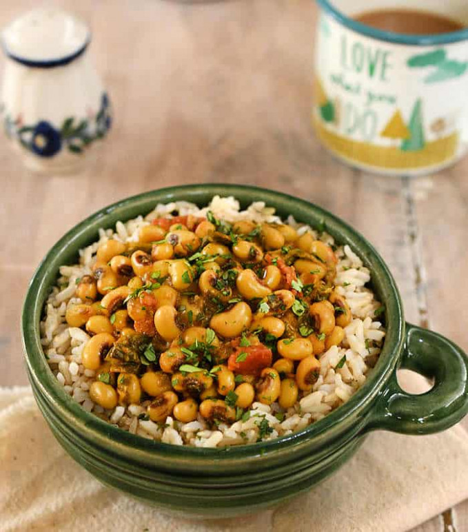 Vegan Instant Pot Black-Eyed Pea Curry with Spinach - recipes black eyed peas vegetarian
