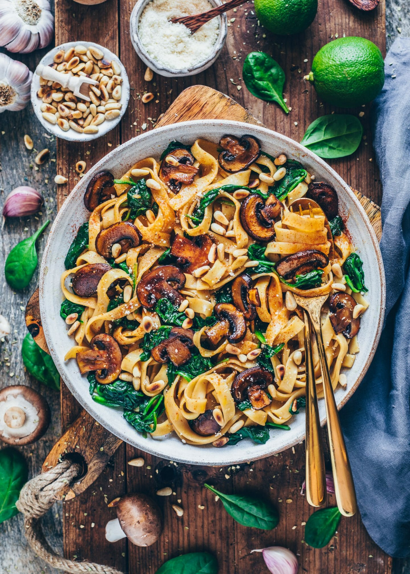 Vegan Mushroom Pasta with Spinach (easy recipe) - dinner recipes without dairy