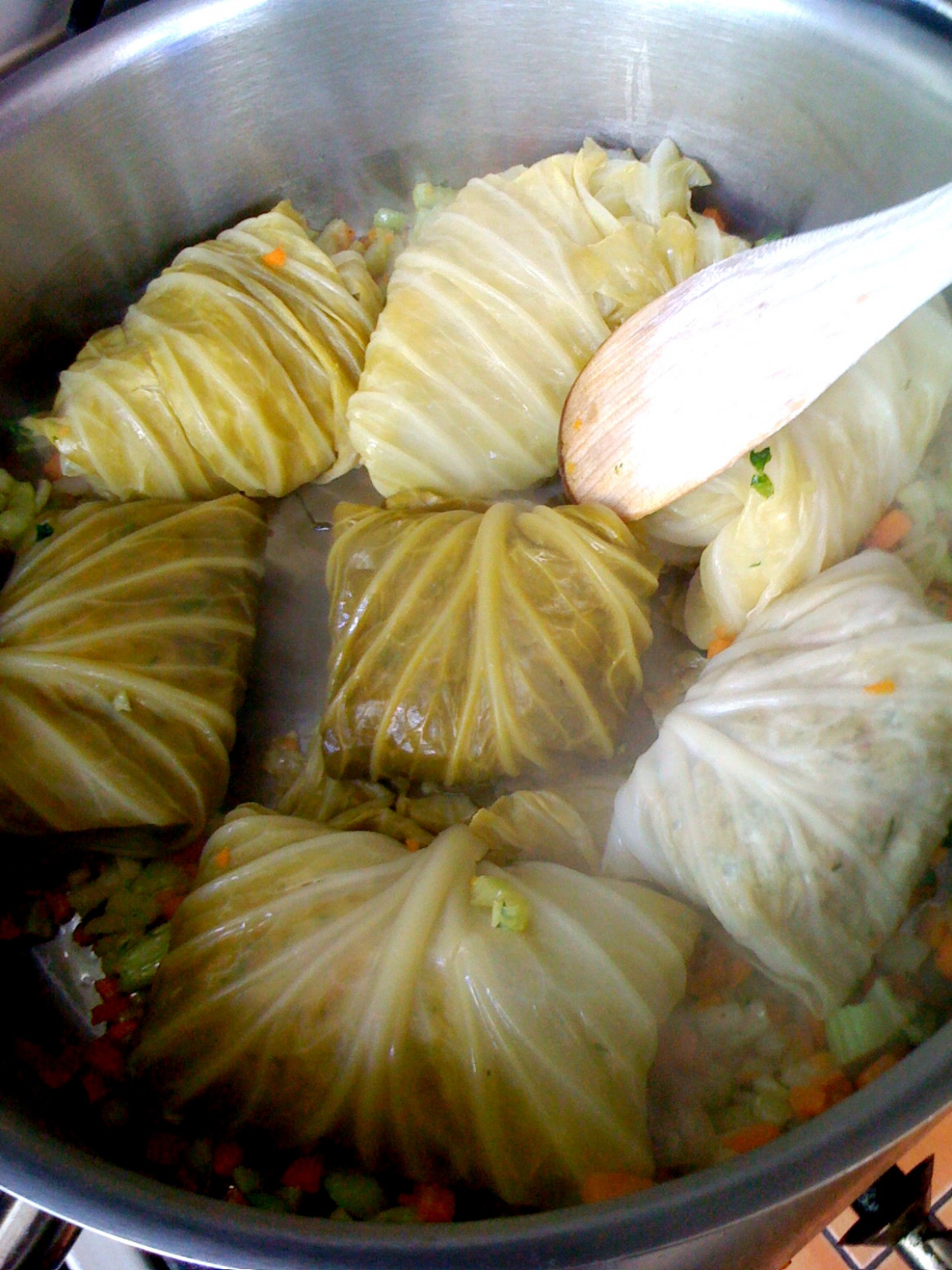 Vegan Recipes: Stuffed white cabbage leaves with lentils - white cabbage recipes vegetarian