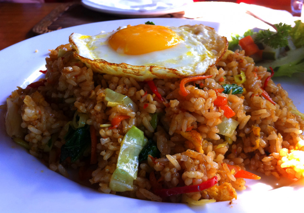 vegan | The quest for kinder cuisine - recipe vegetarian nasi goreng