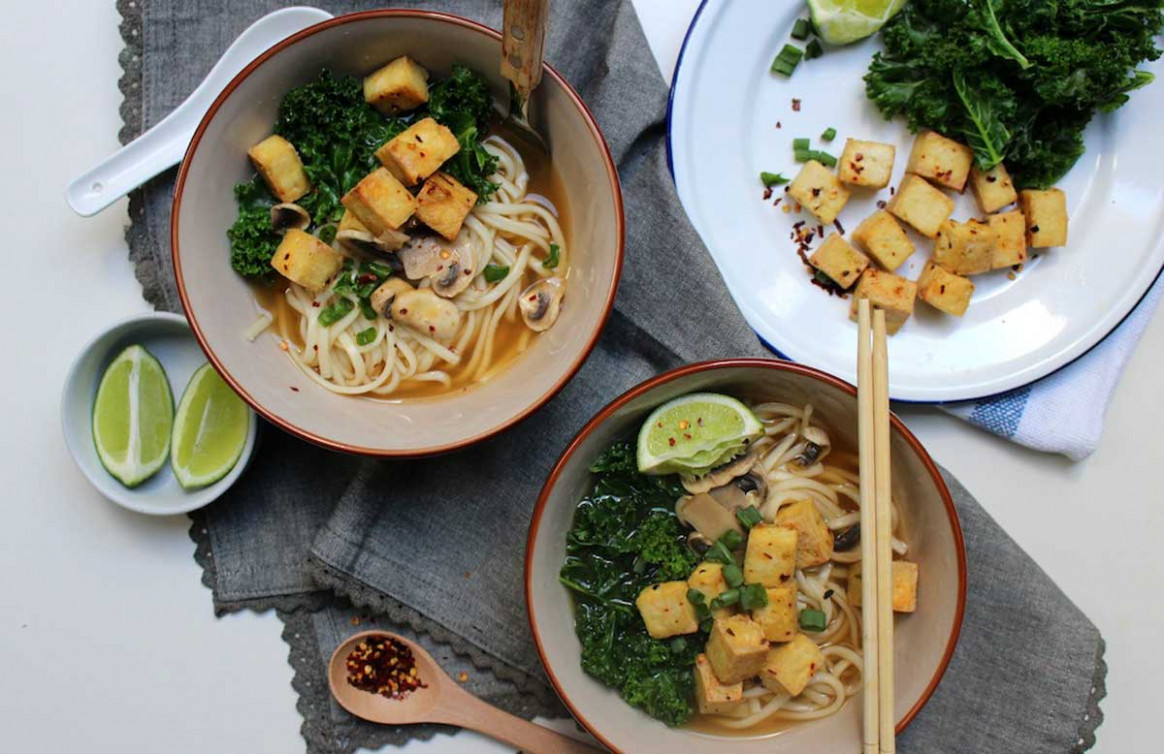 Vegan udon noodle soup with chilli lime roasted tofu - udon recipes vegetarian