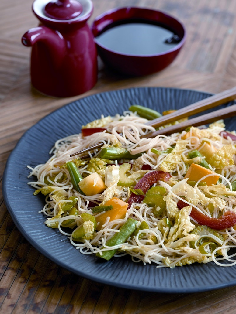 Vegetable Stir Fry with Rice Noodles - vegetarian recipes with rice and vegetables