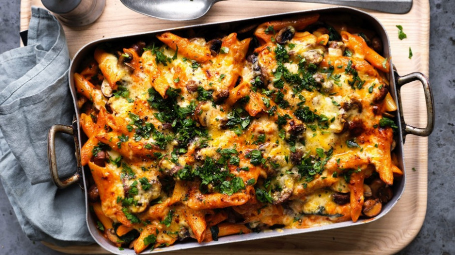 Vegetarian Stroganoff Pasta Bake With Mushroom And Spinach ..