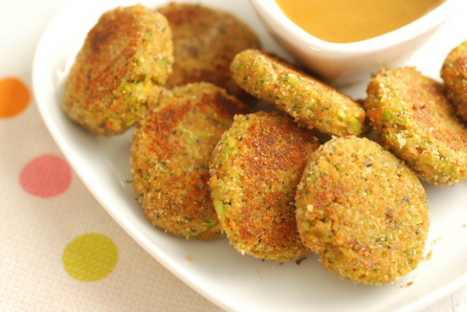 Veggie Nuggets That Kids LOVE! - Real Mom Nutrition - recipes vegetarian family