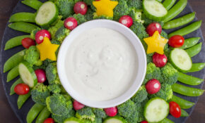 Veggie Wreath Christmas Appetizer