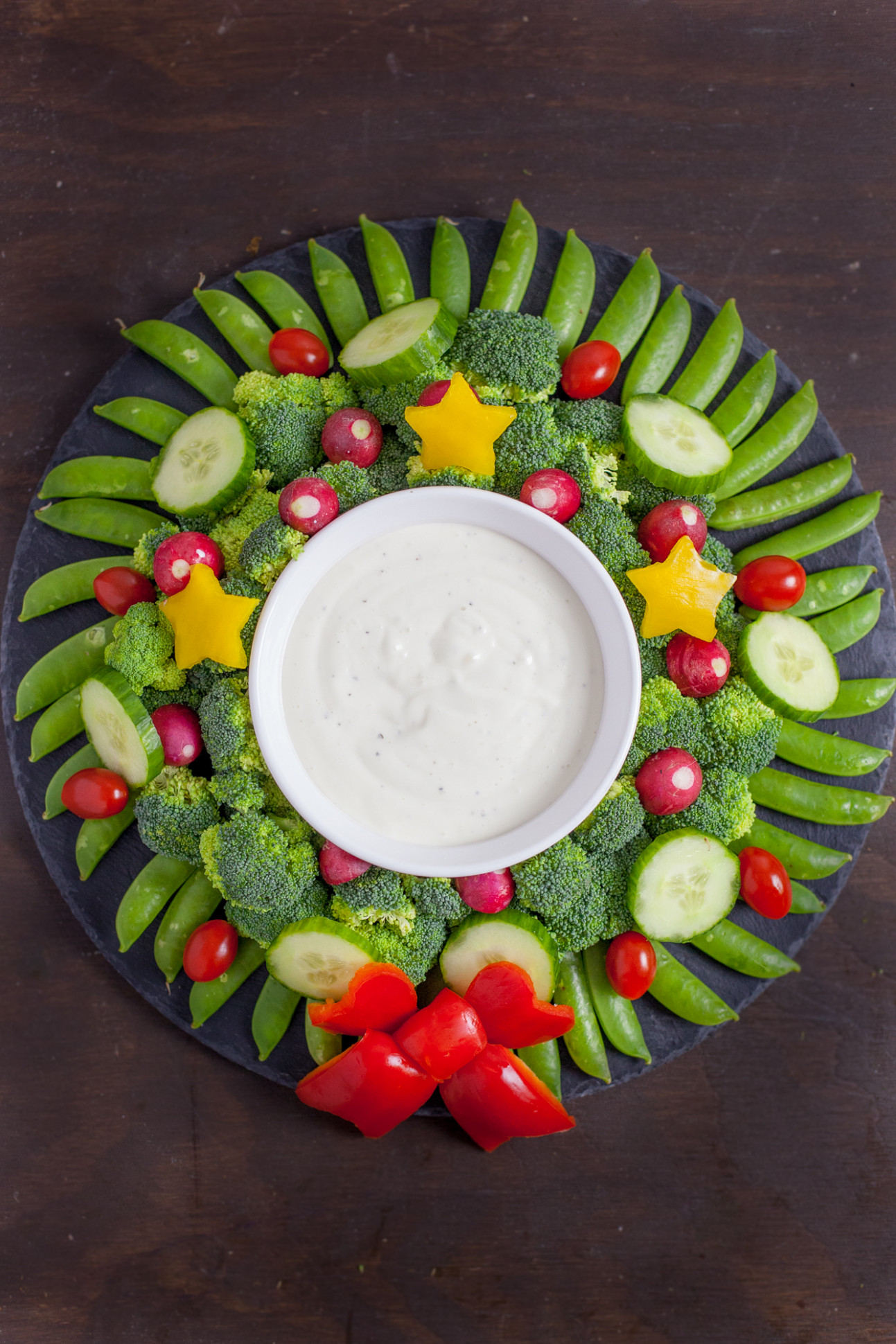Veggie Wreath Christmas Appetizer - vegetarian recipes for xmas day