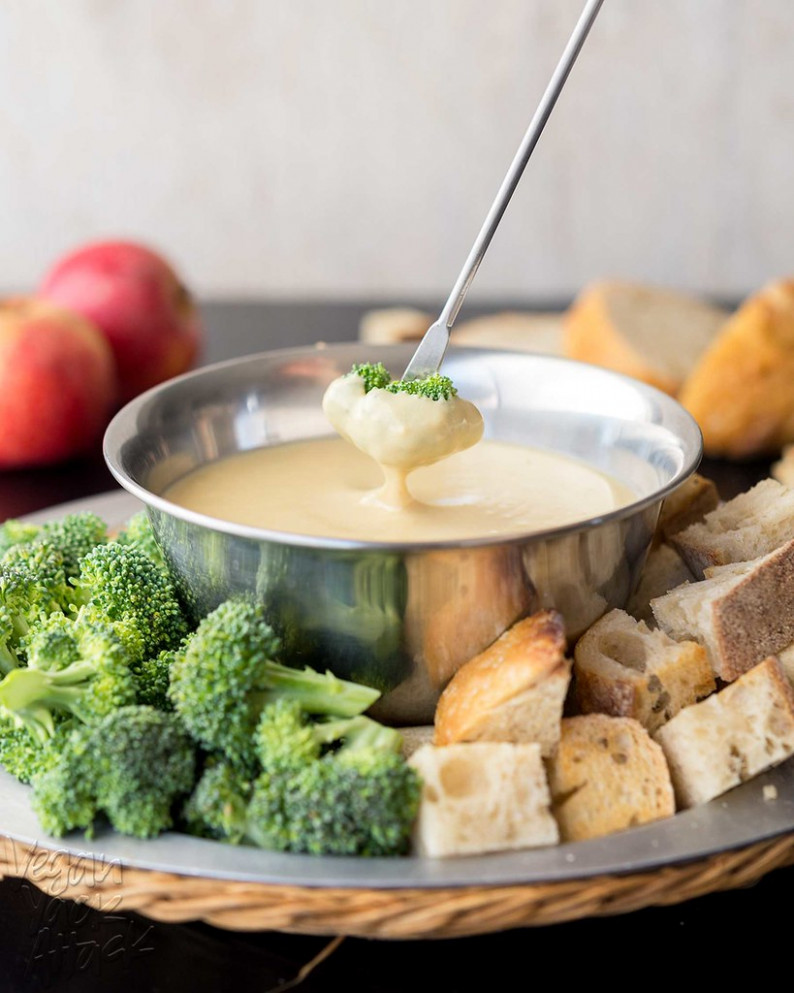 White Bean Beer Fondue - white bean recipes vegetarian