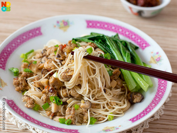 XO Sauce Noodles with Minced Meat - xo sauce recipes chicken