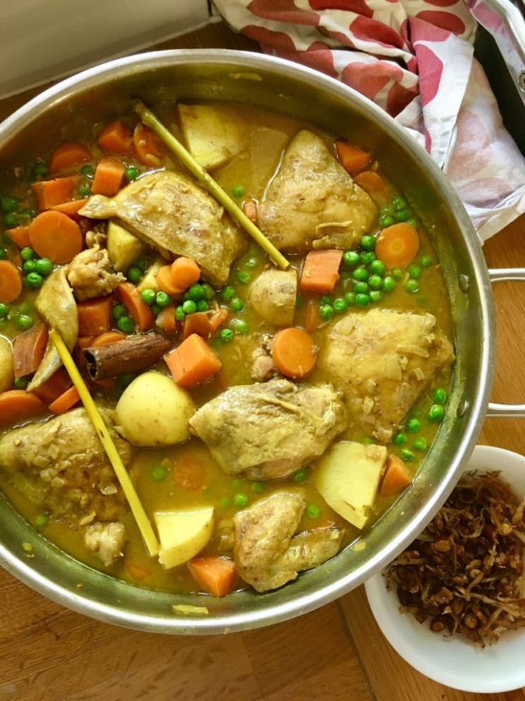 Yellow chicken curry - Malaysian style - chicken curry recipes